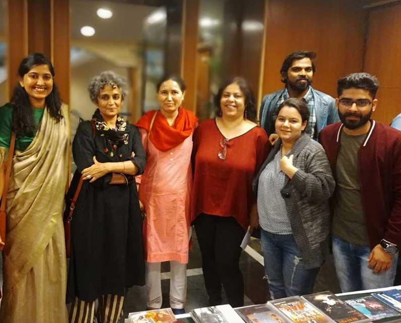 Kriti Film Club team with filmmaker Surbhi Dewan, Arundhati Roy, and a member of the audience at the screening of A Thin Wall