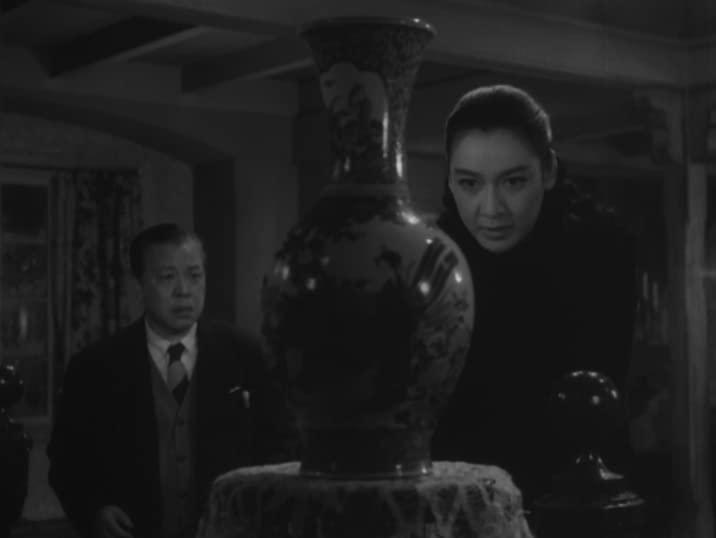 Setsuko Hara [right] in The Idiot
